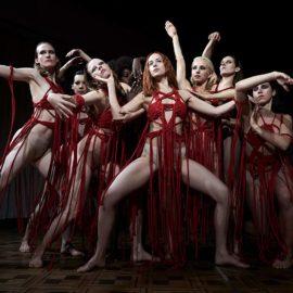 Dança, bruxas e sangue no novo trailer de 'Suspiria'