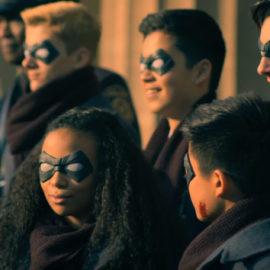 Nova série da Netflix 'The Umbrella Academy' tem Super Heróis diferentões