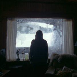 'The Lodge' filme de terror dos mesmos diretores de 'Boa Noite Mamãe'