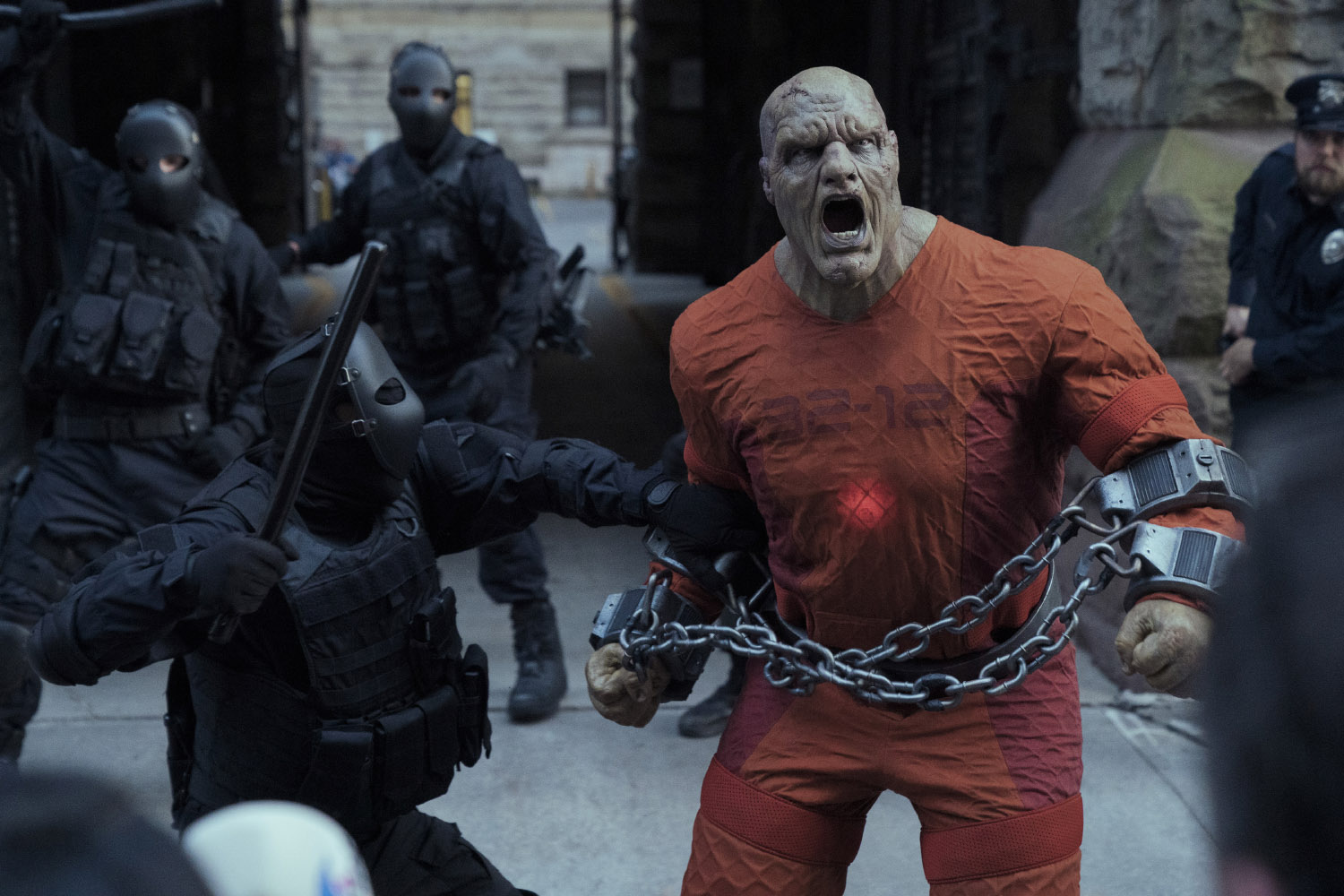 JUPITER'S LEGACY (L-R) TYLER MANE as BLACKSTAR in episode 1 of JUPITER'S LEGACY. Cr. STEVE WILKIE/NETFLIX © 2020